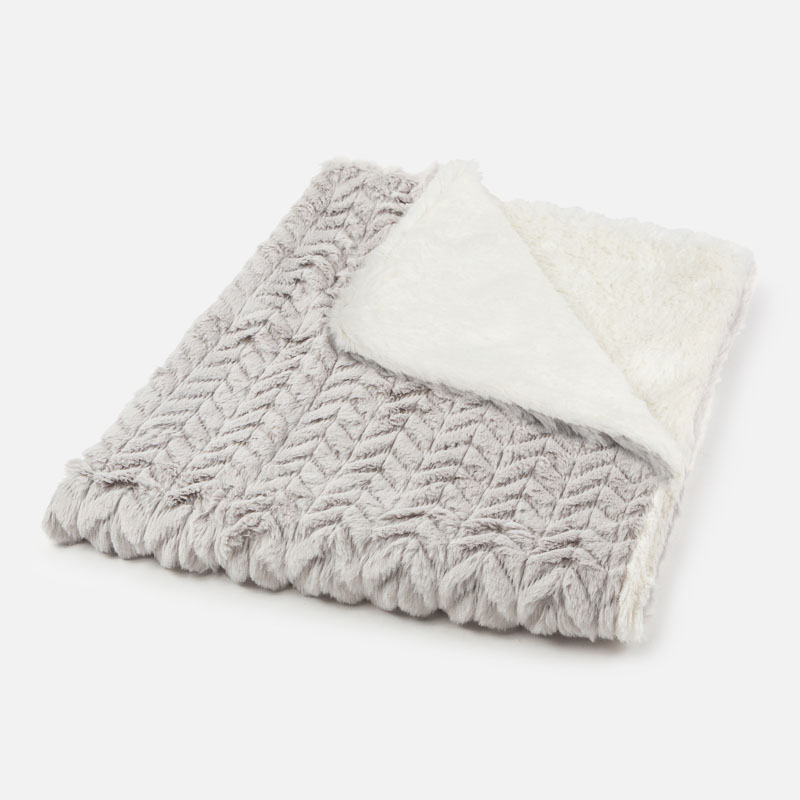 Пухкаво бебешко одеяло Mayoral 0009023