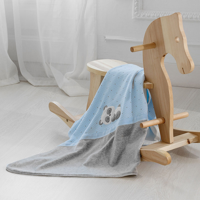 Бебешко ватирано одеяло за момче Mayoral 9777