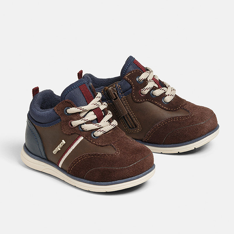 Бебешки спортна обувка с верлур Mayoral 42166