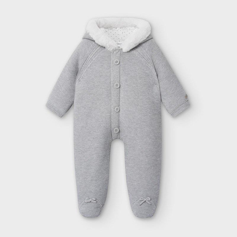 Бебешки плътен гащеризон от фино плетиво Mayoral 2631