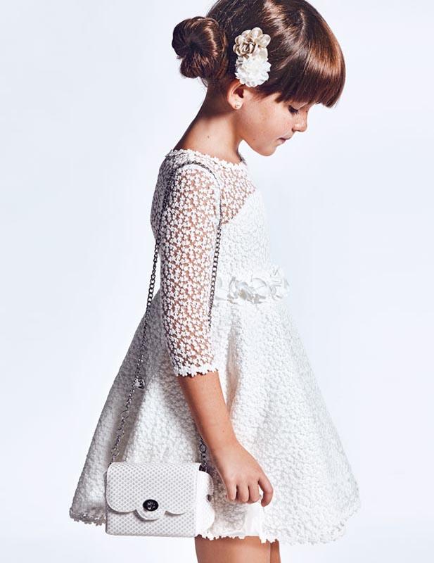 Стилна рокля с бродиран тюл и нежен колан от цветя Abel and Lula 5002